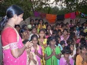 joy&children praying
