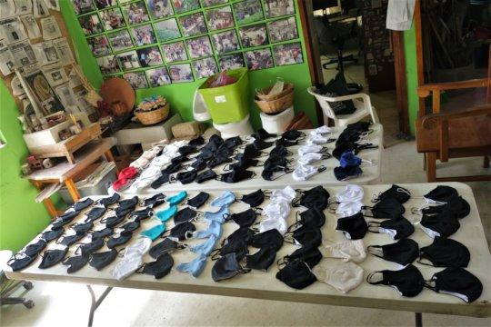 Production of facemasks / Produccion de cubrebocas