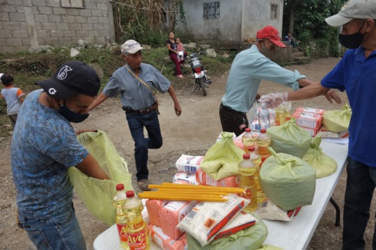Donar dispenas alimentos - Donating food supplies