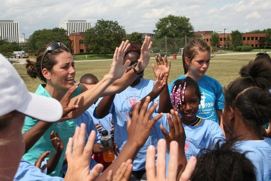 Julie Foudy and students on Community Service Day