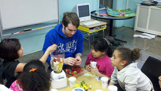 Bancroft ES Makes Fruit Smoothies