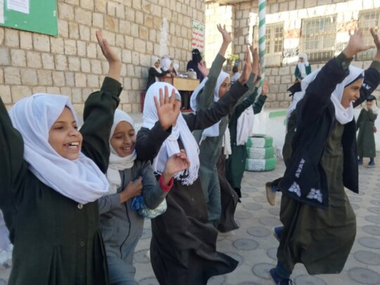 Feeding 1000 Poor Rural School Girls in Yemen