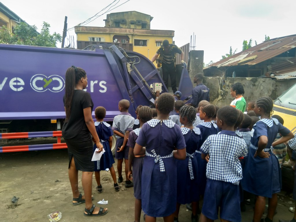 Support Recyclespay for 1000 children in Lagos