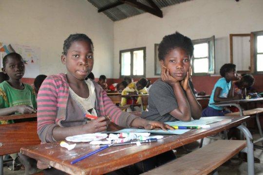 Menstrual kits to 1500 Mozambican schoolgirls