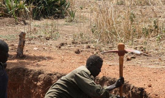 Omilling, excavation red soil marram