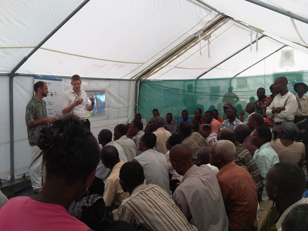 RedR carries out trainings for disaster workers.