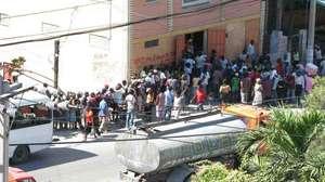 Food distribution line