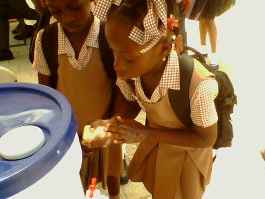 Haitian girls at World Handwashing Day demo