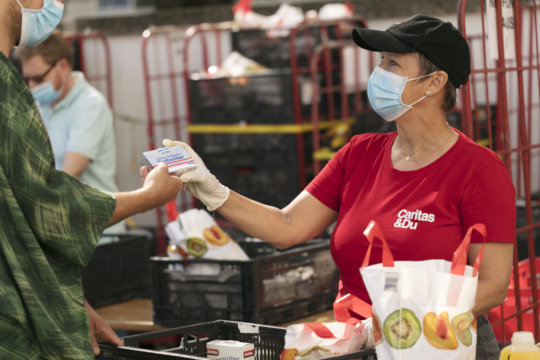 Food distribution (c)Caritas_Reiner Riedler