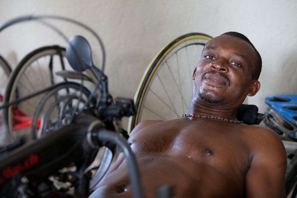 Haitian Paralympian, Leon Gaisli in training