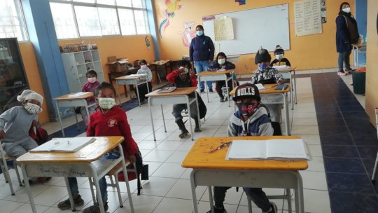 Masks and protective clothing for the teachers