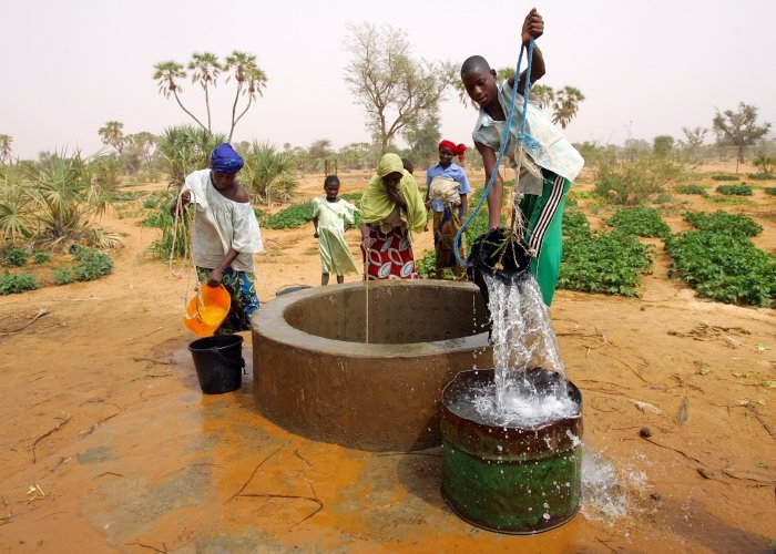 Mercy Corps-sponsored well fights Niger drought