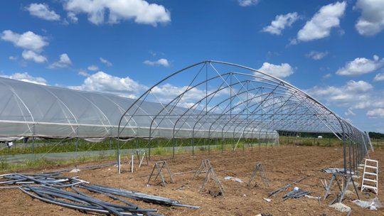 1st greenhouse construction (2nd angle)