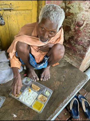 Free meal to an old daily wage worker