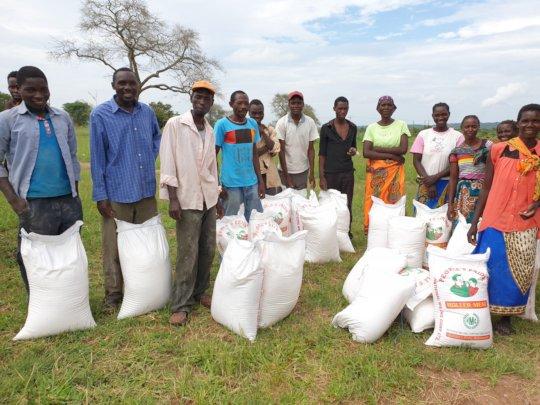 Food donations - Mukuni Village