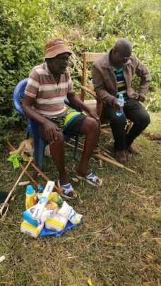 Donating food stuffs to the sinoir citizens in pap