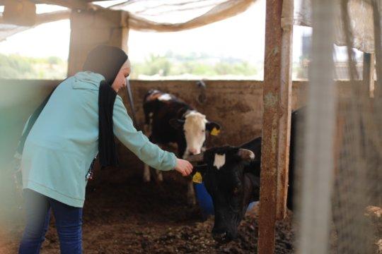 Lama-Rebuilding Alliance intern & aspiring cowgirl