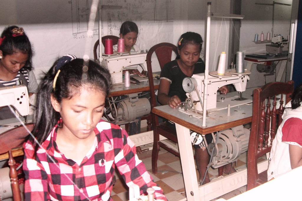 NFE sewing course in Svey Pak