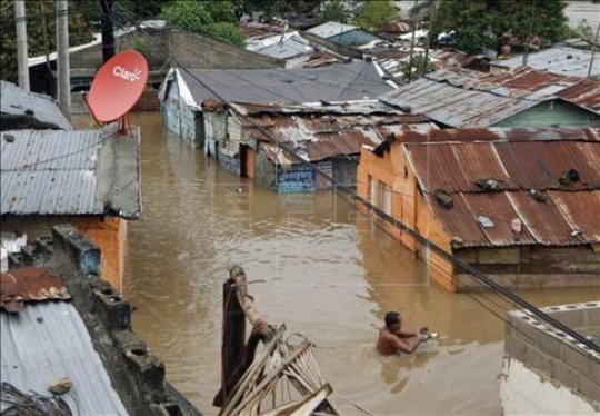 Flooding in Haiti from Sandy (photo by EFE)