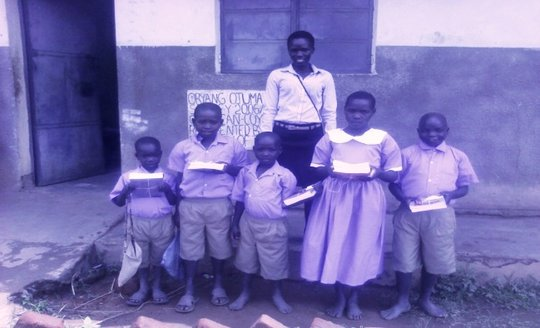 Pandwong Primary School kids with new supplies