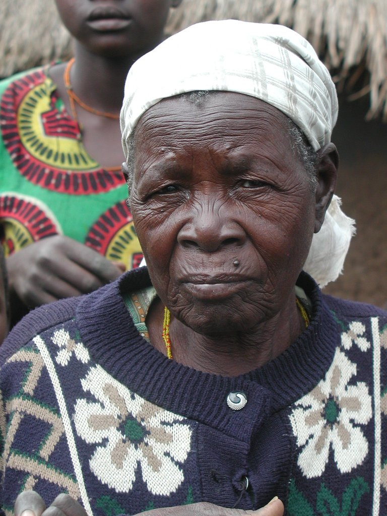 Old Acholi woman who allowed us to take her photo as long as we promised not to forget her and to tell her story.