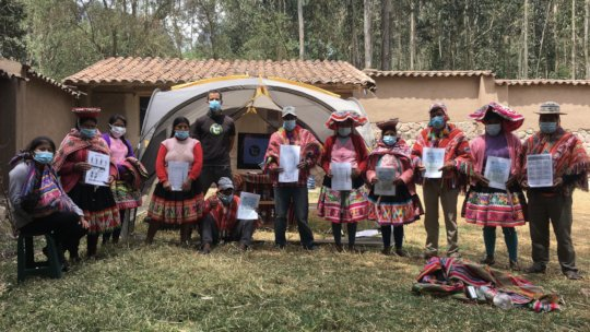 Training: Sustainable llama pack tourism service.