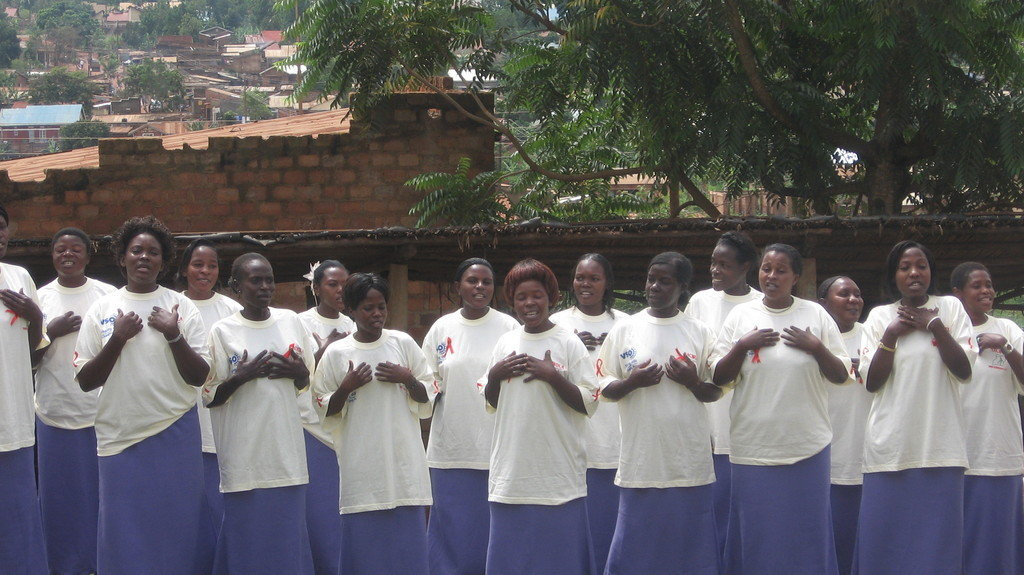 Paper Making: Empower 100 Ugandan Women with AIDS