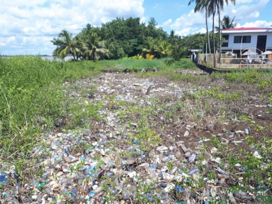 Plastic pollution on its way to sea