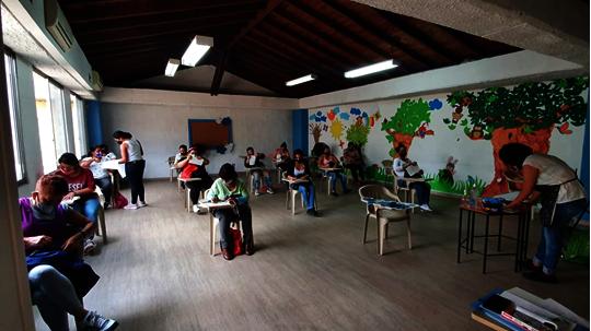 Face-to-face handicrafts workshop
