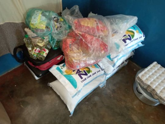Kaliyangile - food parcels for families in need