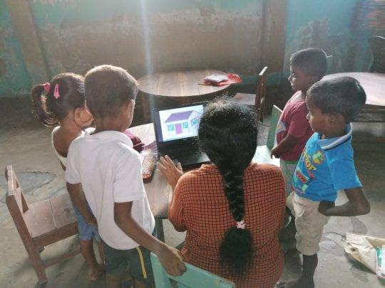 Volunteer demonstration of learning materials