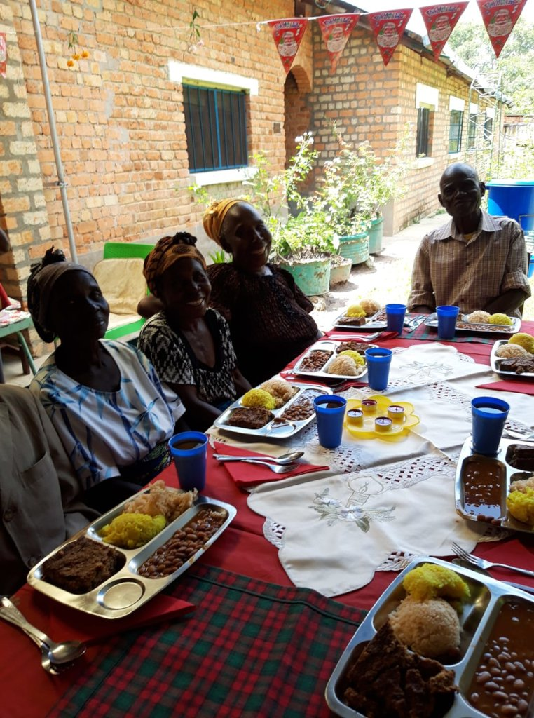 Good food for the elderly in the community