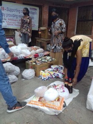 Girl Leaders leading ration disturbution
