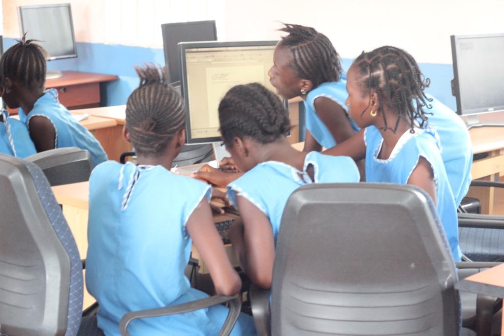 Computer lab class