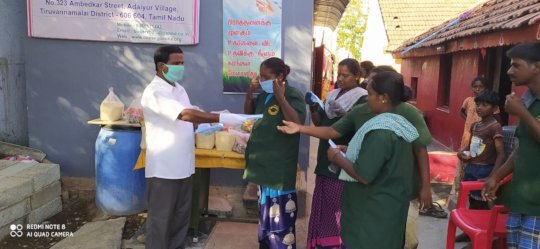 Distribution of cook food to vulnerable community.