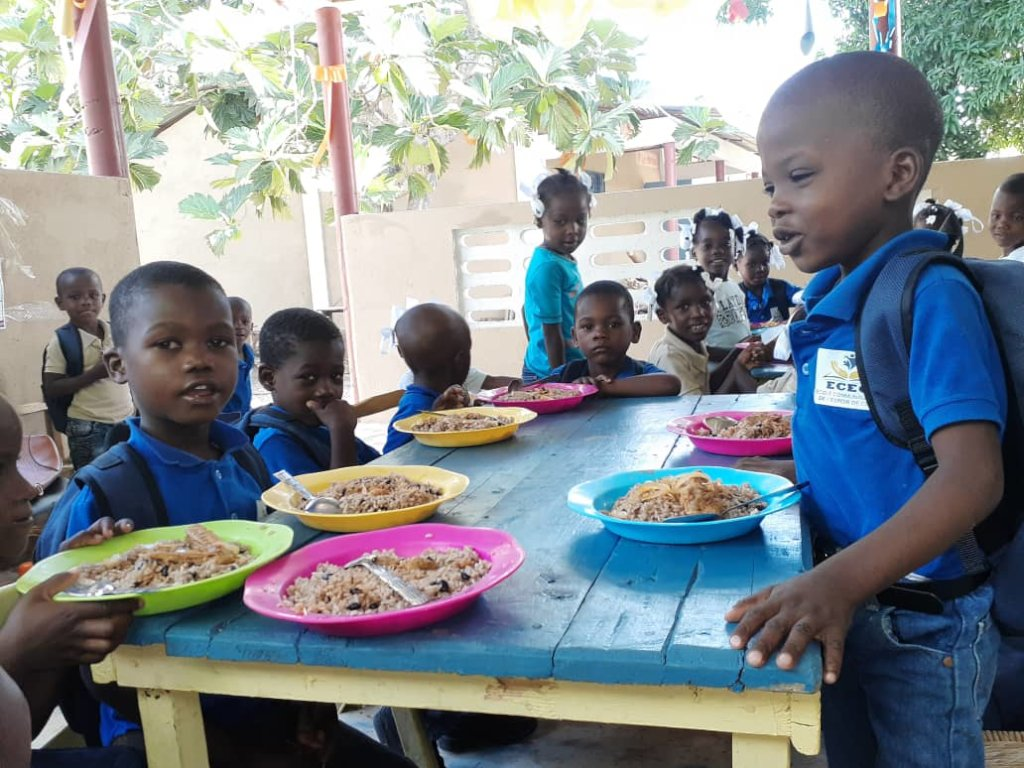 Provide daily meal to 300 school children in Haiti