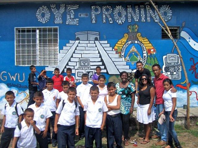 Arte La Calle mural project in Pronino, Feb. 2012