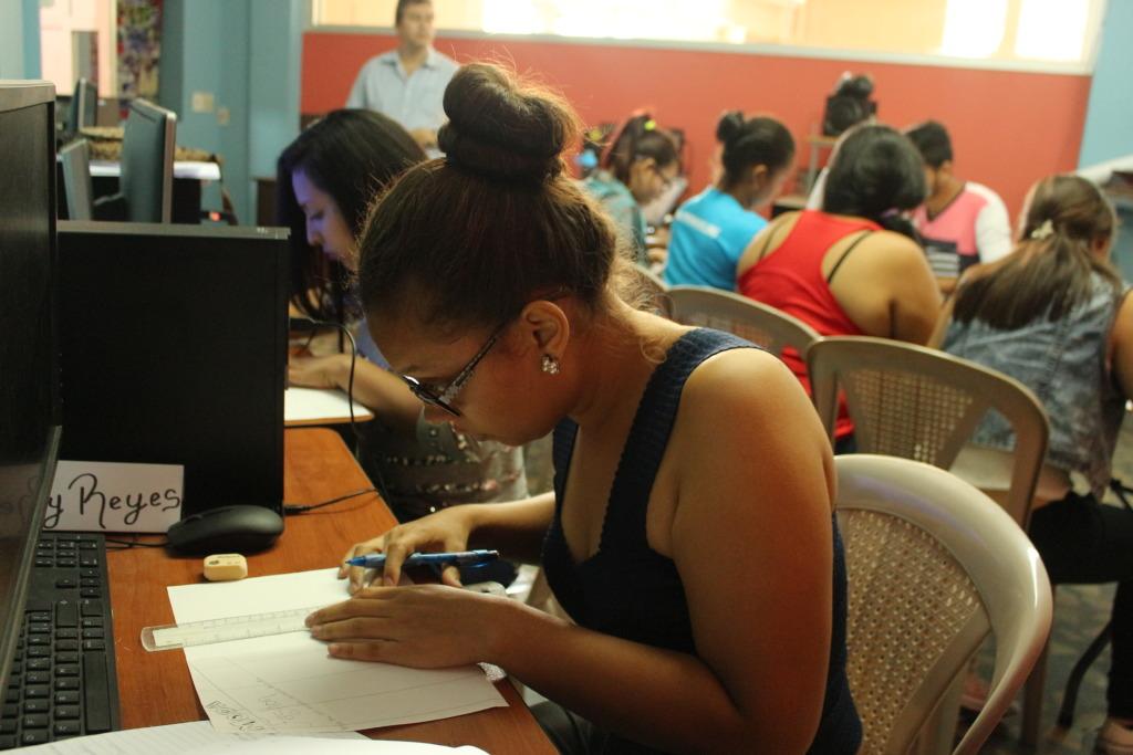 Graphic Design Diploma Program in DisenOYE