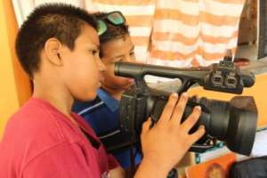 Learning to film in OYE Comunica