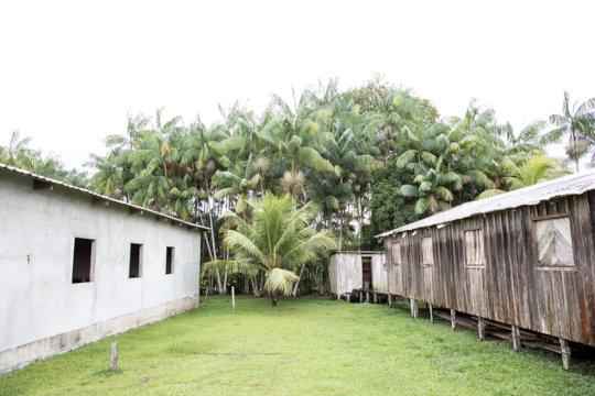 Dwellings in Tumbira