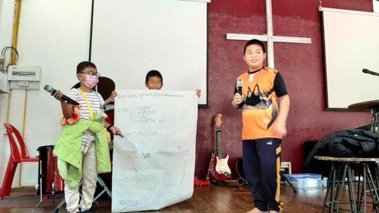 Children present their ideas