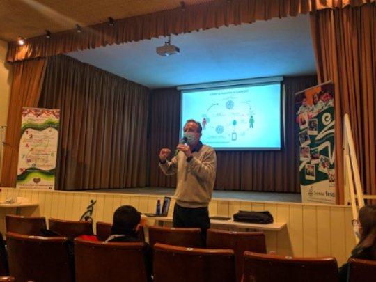 Covid-19 presentation at school by Cristian