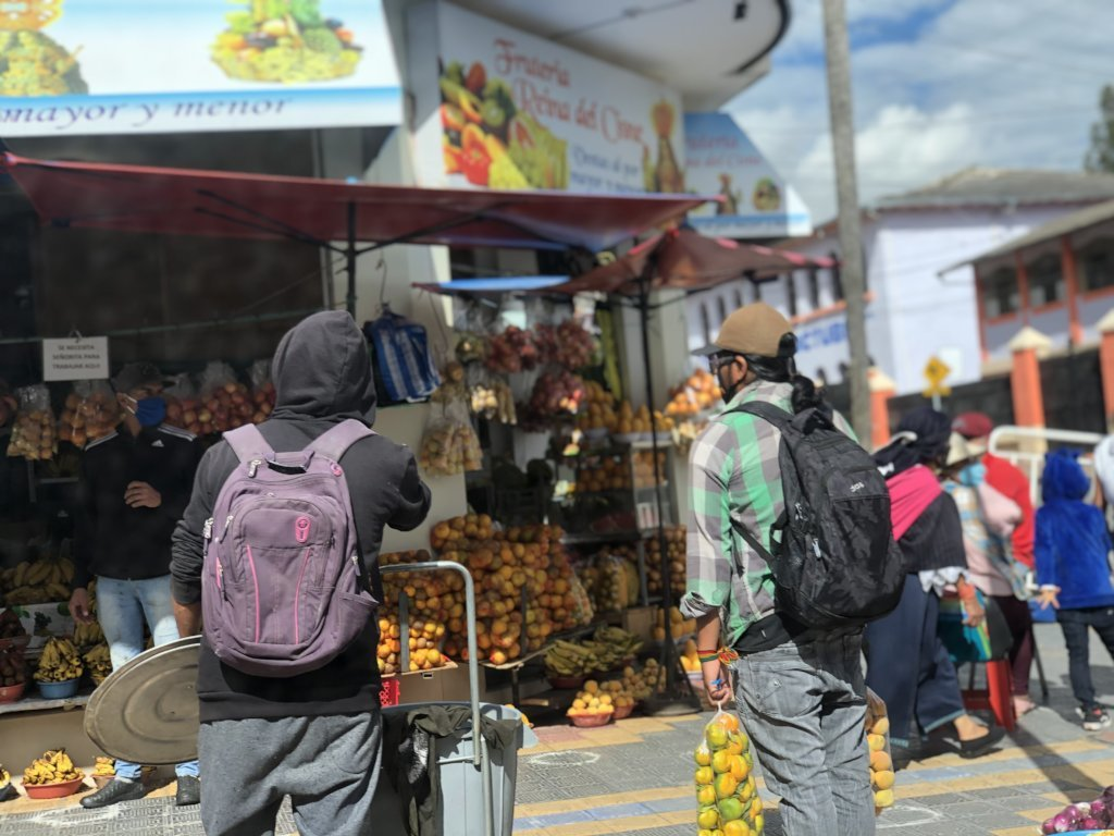 Humanitarian Aid to Street Vendors in Otavalo