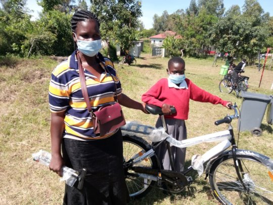 Giving girls bicycles to cycle to/from school