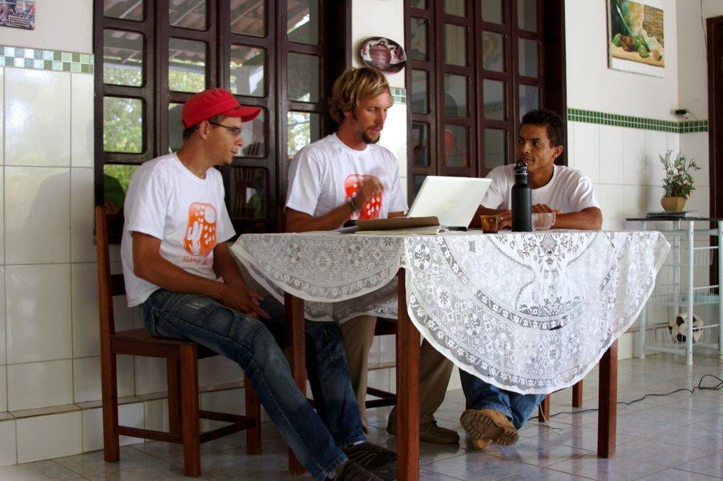 Preparation w/ technicians, Florisvaldo & Fabio