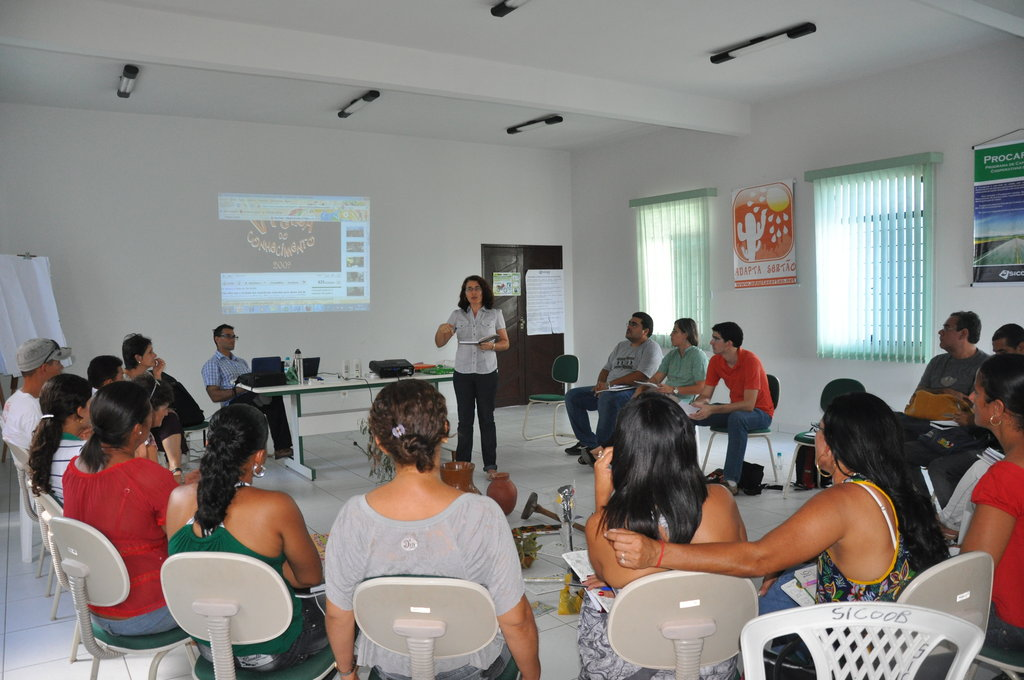 Adapta Sertao meets with local Pintadas teachers