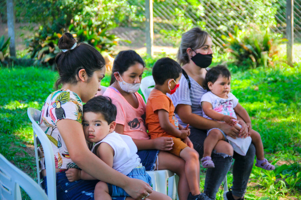 Connect poor preschoolers to books in Tucuman