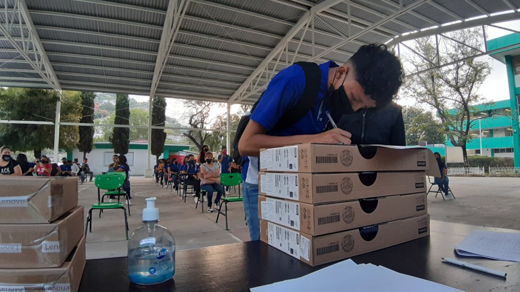#CloseTheGap with computers for students in Mexico