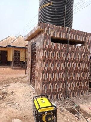 4,000-liter water tank with generator