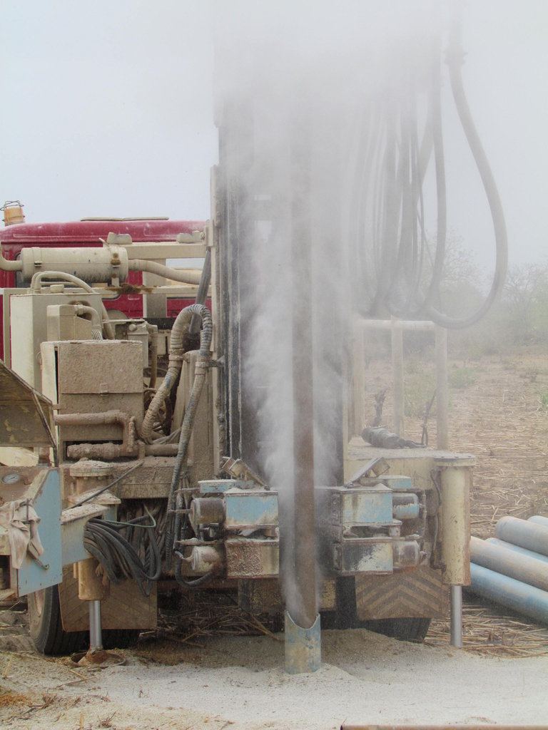 Water gushing from the well during drilling